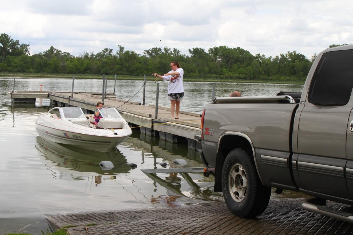1800-boating-at-Browns