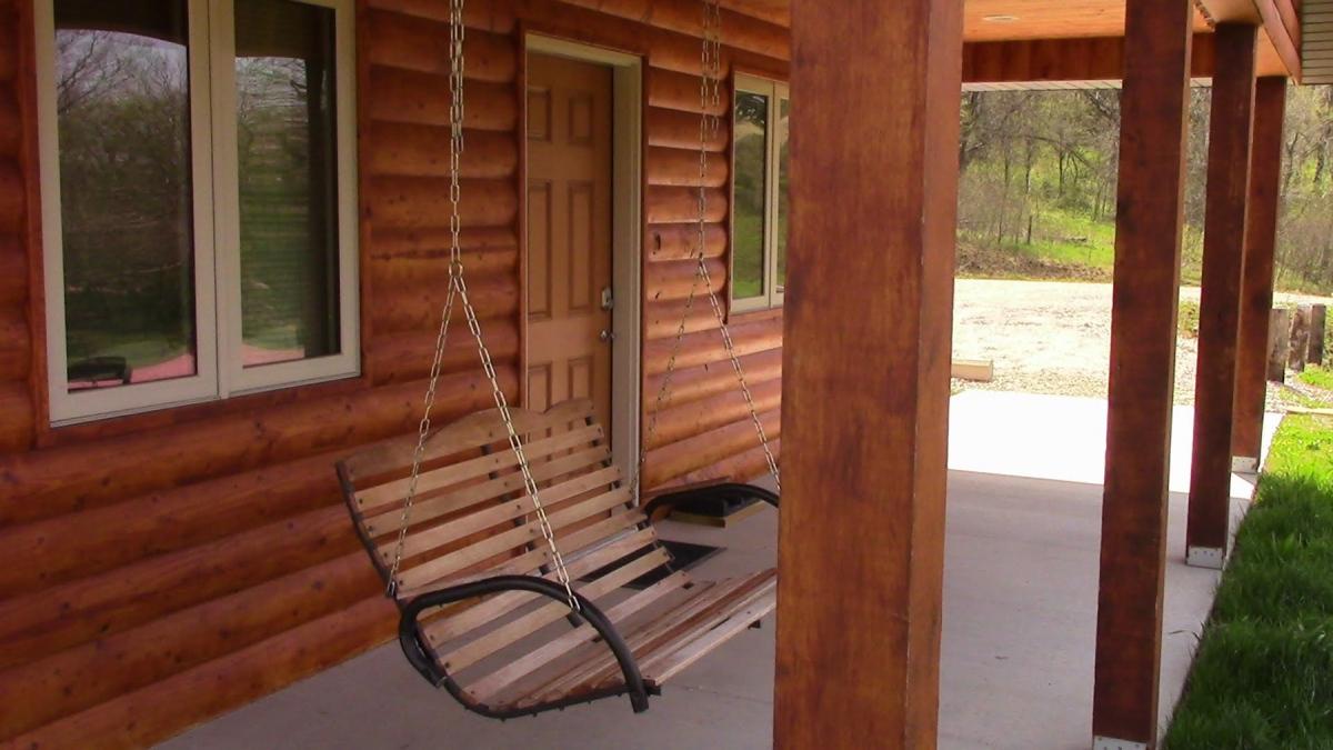 1800-Cabin-swing